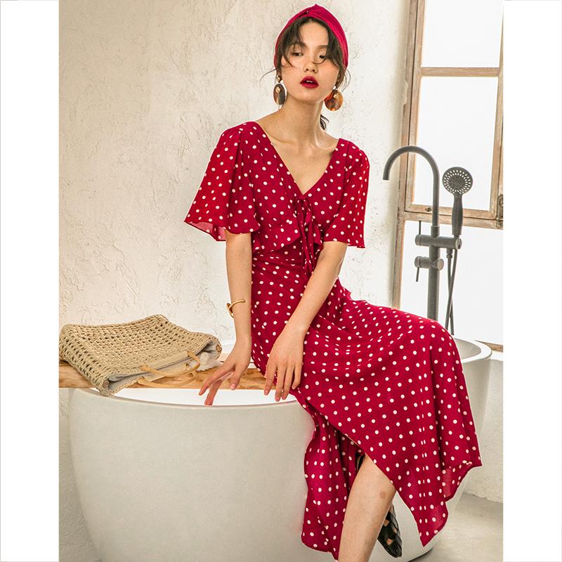 券后188.80元法式复古红色波点连衣裙2019沙滩裙