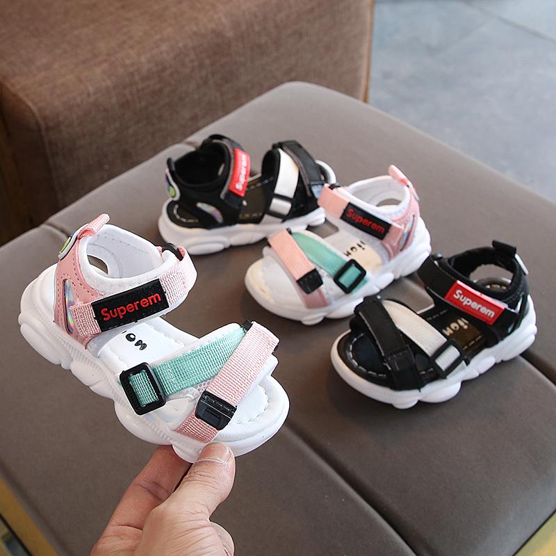 35.00元包邮男童凉鞋2019新款潮流儿童沙滩鞋宝宝小熊鞋子女童包头凉鞋1-3岁2