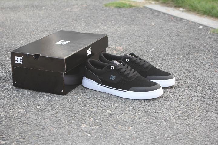 Giày đen trắng Giày DC nam và nữ giày trượt ván HUF lật lông Chuyển đổi hấp thụ sốc mang giày BMX giày DC - Dép / giày thường