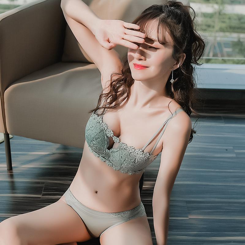 券后69.00元歌帕小胸聚拢文胸套装少女夏季抹胸