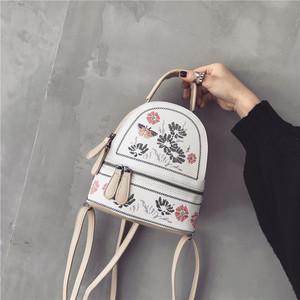 刺绣双肩包女2017新款欧美时尚学院风学生小背包女秋