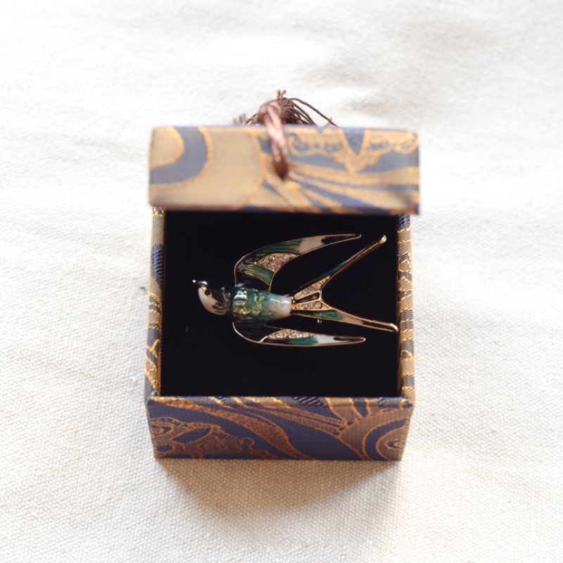 Swallow Brooch gift box set Chinese style literature and art RETRO exquisite birthday gift small high-grade gift package