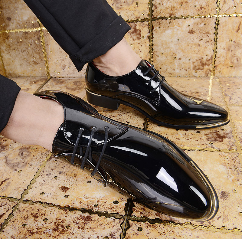 Mens extra large leather shoes leather pointed formal mens shoes business casual Korean fashion stylist patent leather