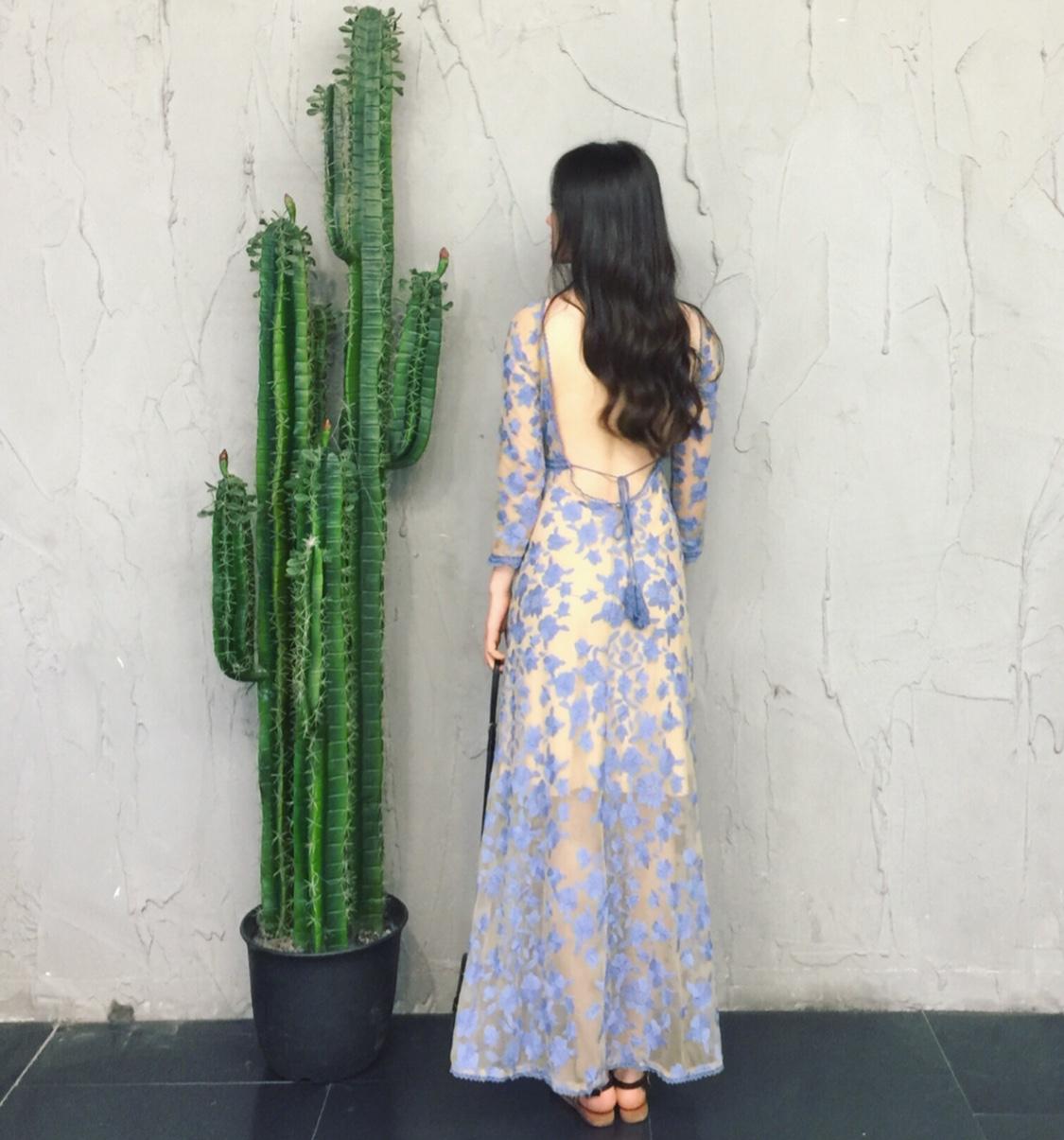 viss金露背沙滩裙女海边度假显瘦刺绣蕾丝镂空性感长裙蓝色连衣裙