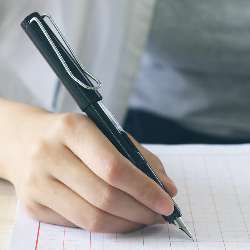 六品堂练字钢笔男女学生专用钢笔练字正品小学生钢笔笔尖钢笔书法钢笔成人商务办公儿童初学者墨水墨囊钢笔女