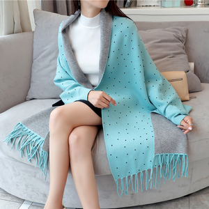 围巾韩版女两用披肩斗篷秋冬可穿外套双面流苏办公室披风保暖外搭