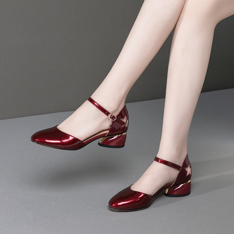 包头凉鞋女真皮中跟圆头凉鞋时尚百搭四季单鞋新款粗跟舒适女鞋子