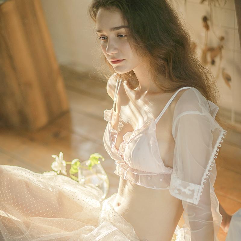 内衣女小胸聚拢无钢圈夏季薄款文胸套装少女可爱日系蕾丝性感胸罩