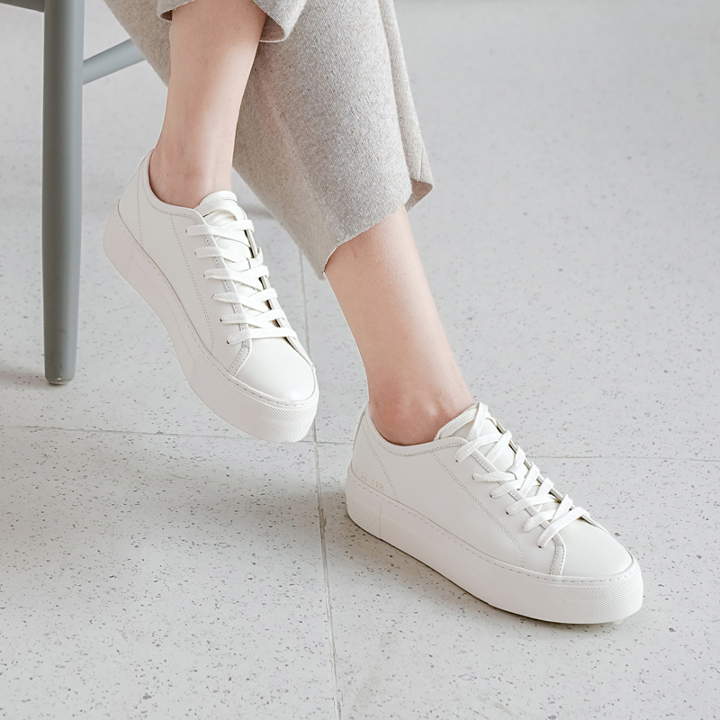 Kacey Devlin autumn new product deerskin comfortable lining muffin thick bottom and lace up small white shoes