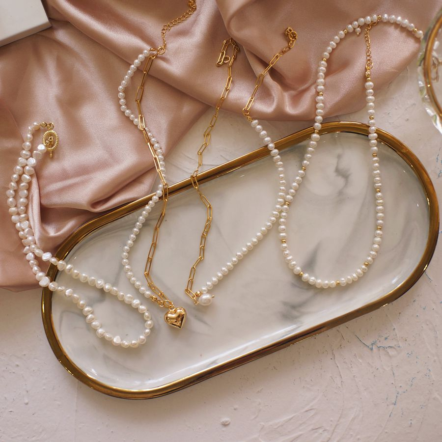 Pearl necklace womens retro design clavicle chain necklace Baroque personality simple love Choker