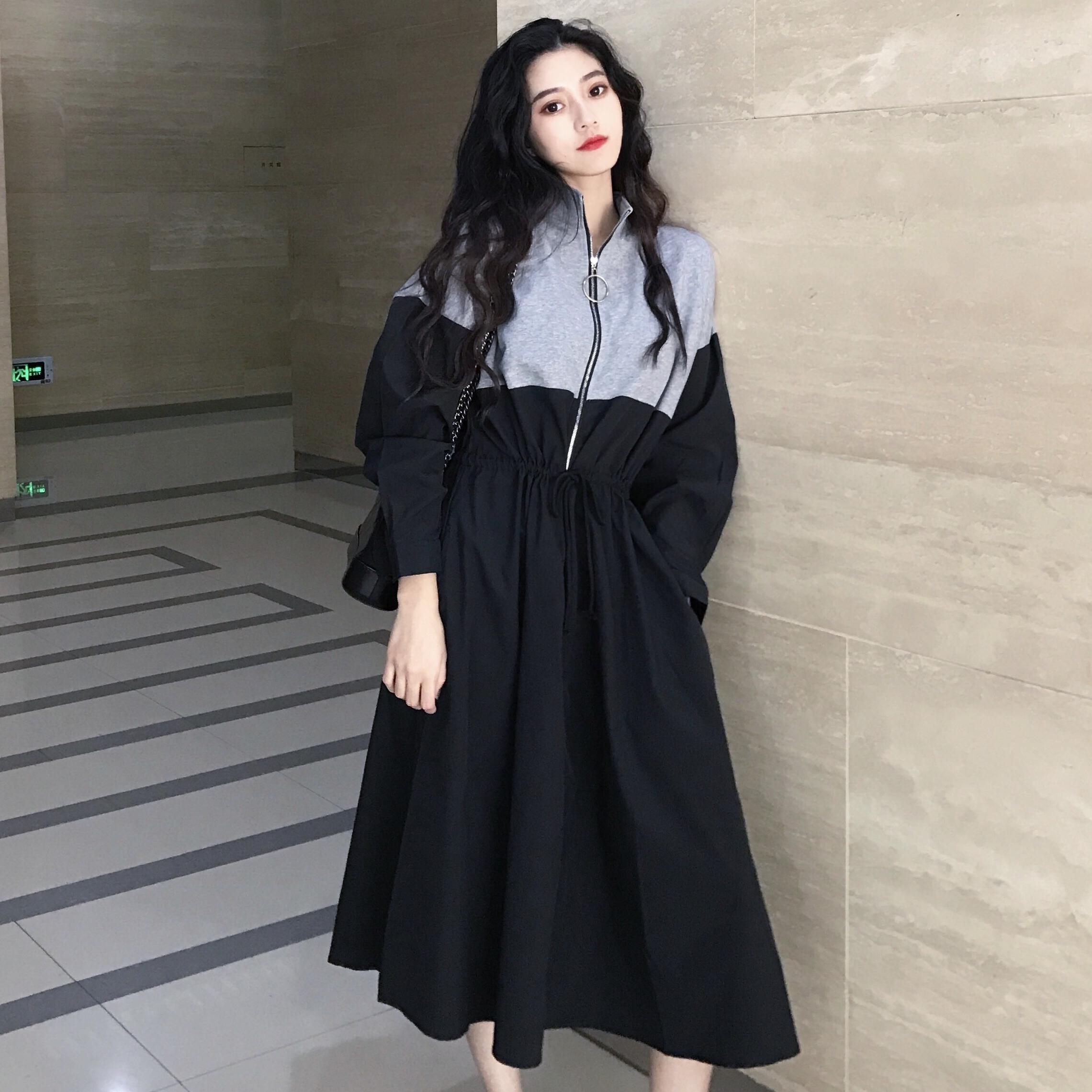 韩版时尚运动风秋装女2018新款立领拉链收腰中长款拼接卫衣连衣裙
