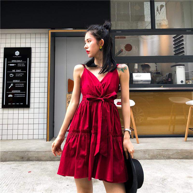 2018新款气质百搭韩版V领高腰木耳边绑腰带纯色吊带连衣裙女夏潮