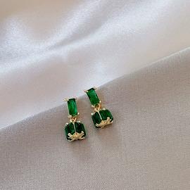 韓版精致新款綠祖母耳環保色微鑲鋯石耳釘氣質輕奢小眾銀針耳飾女圖片