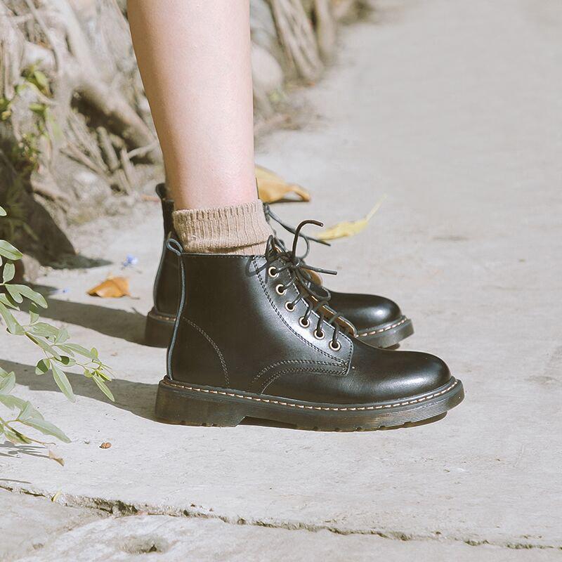 伯爵猫马丁靴女英伦风冬季加绒八孔真皮六孔机车短靴学院圆头日系