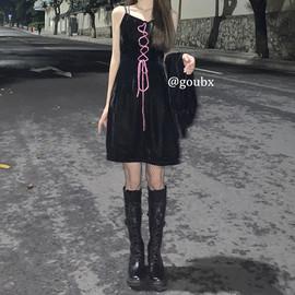 复古丝绒裙子女2020年秋冬新款黑色收腰显瘦气质吊带古着感连衣裙