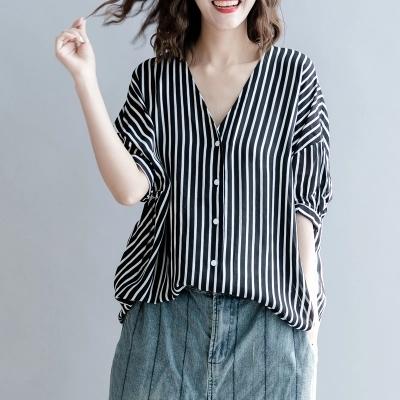 大码女装开衫衬衫200斤胖mm夏装韩版文艺范显瘦V领竖条纹百搭上衣