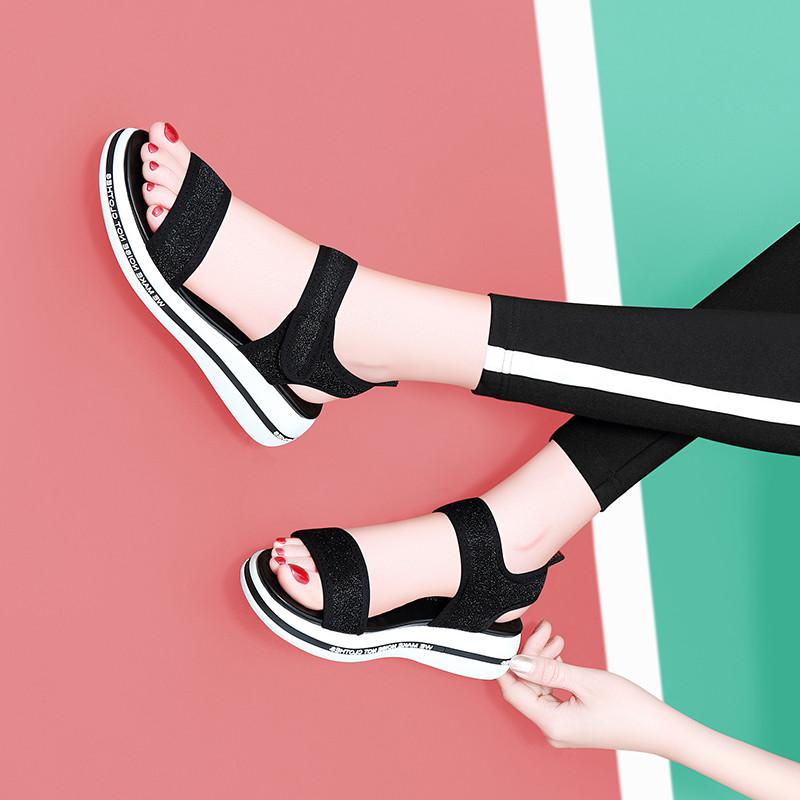 (用20元券)平底2019新款夏季时尚百搭妈妈凉鞋