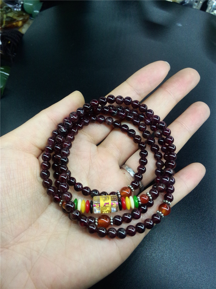 Natural garnet four ring bracelet beauty stone garnet is commonly known as womens stone