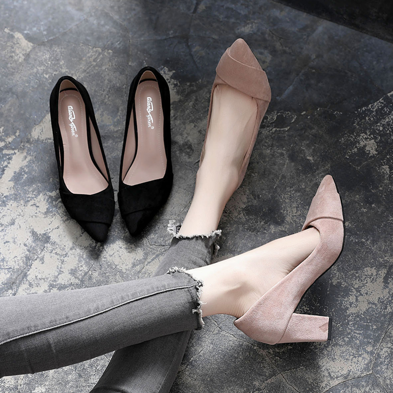 Small fresh high heeled shoes new versatile Korean shallow mouth single shoes womens gentle wind thick heel middle heel black working womens shoes