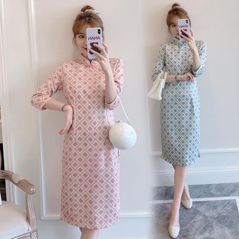 胖MM大码格子麂皮绒连衣裙2020秋冬新款优雅气质现代改良版旗袍