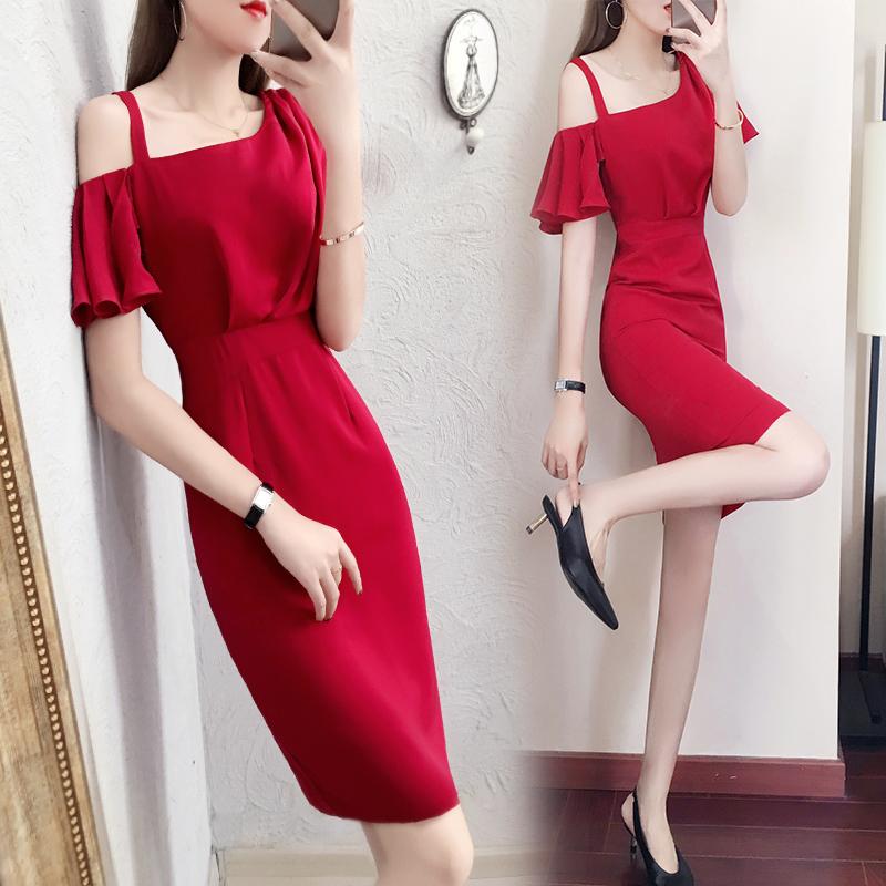 红色连衣裙2018夏新款女装时尚气质漏肩收腰显瘦包臀裙中长款秋季