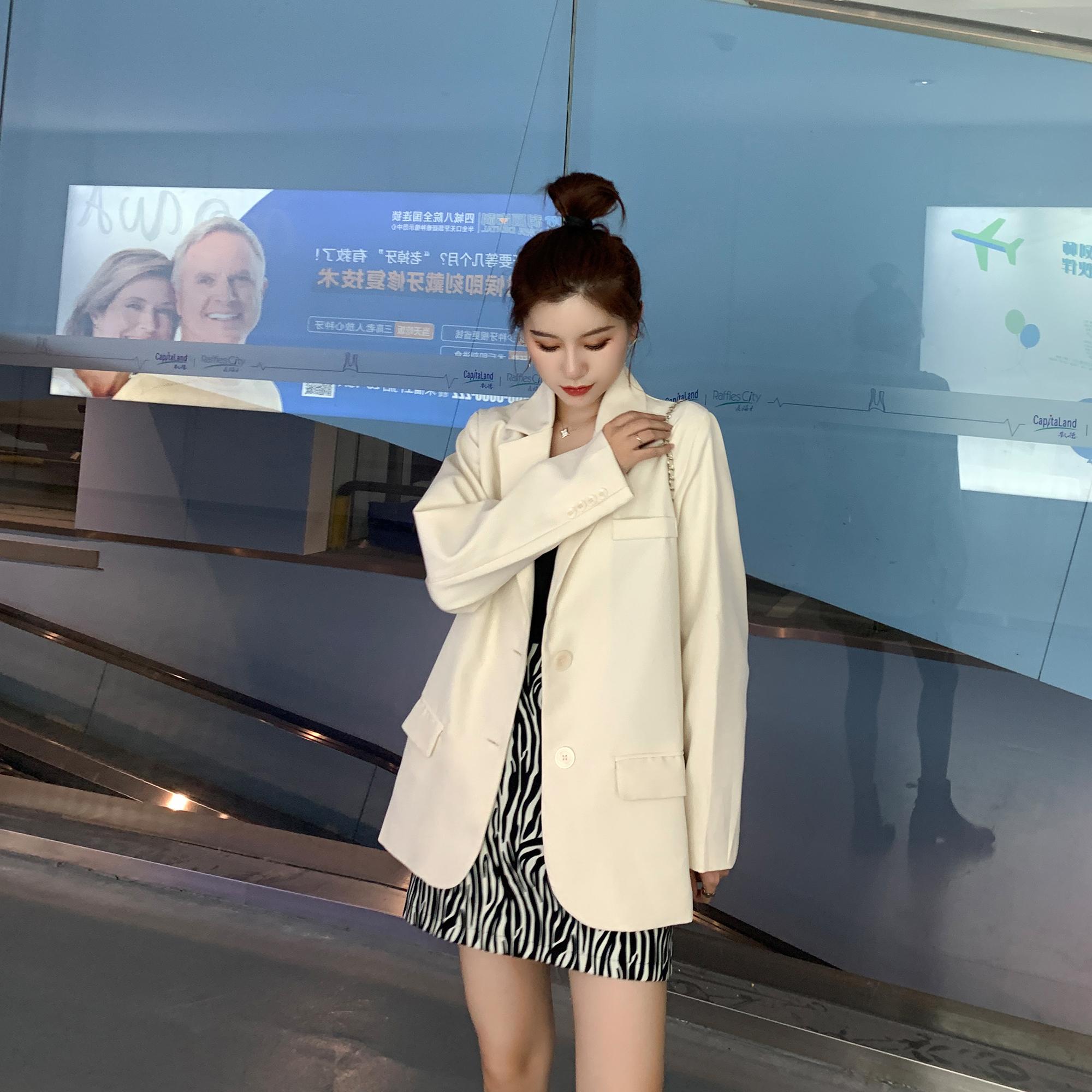 白色小西装外套女2021春秋新款韩版英伦风小个子西服炸街套装上衣