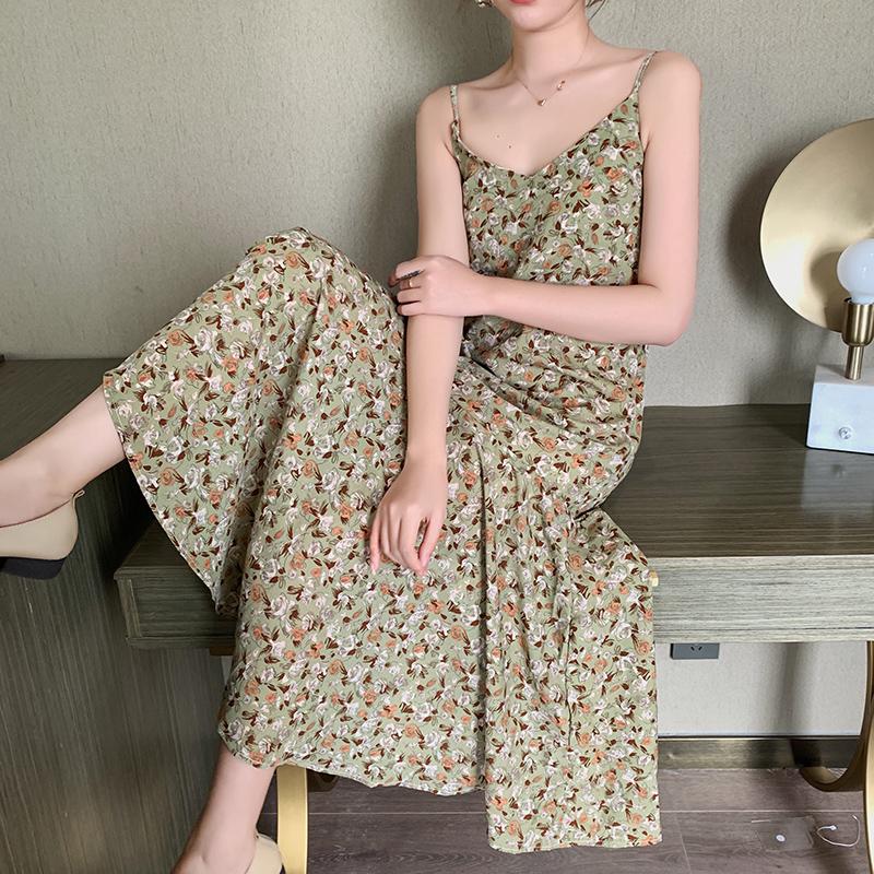 碎花吊带连衣裙女2020新款夏季裙子仙女超仙森系法式雪纺长裙显瘦