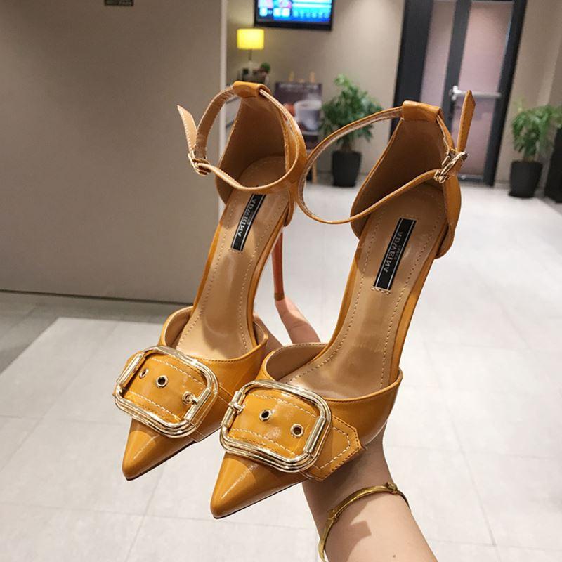 (用1元券)10cm超高跟中空漆皮皮带扣高跟鞋