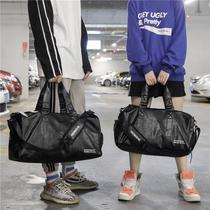 独立鞋位短途旅行包健身包潮女瑜伽运动训练包男PU防水手提旅行袋
