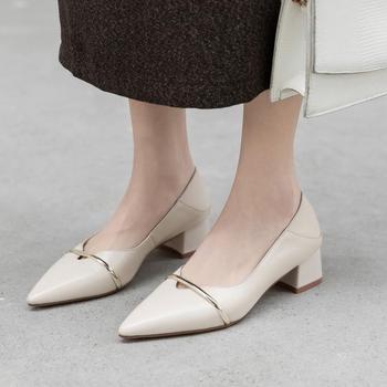 早春季黑色中跟尖头粗跟高跟鞋单鞋女性感通勤浅口猫跟高跟女鞋
