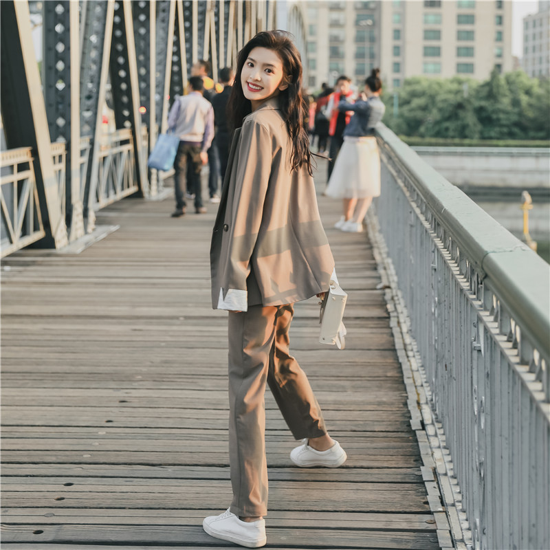Chic net red casual suit for women 2020 spring new Korean loose temperament suit two piece suit