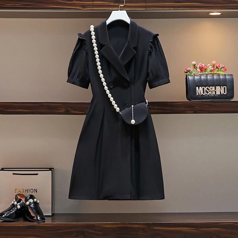 赫本小黑裙2021大码女夏装微胖mm收腰显瘦设计感中长款西装连衣裙