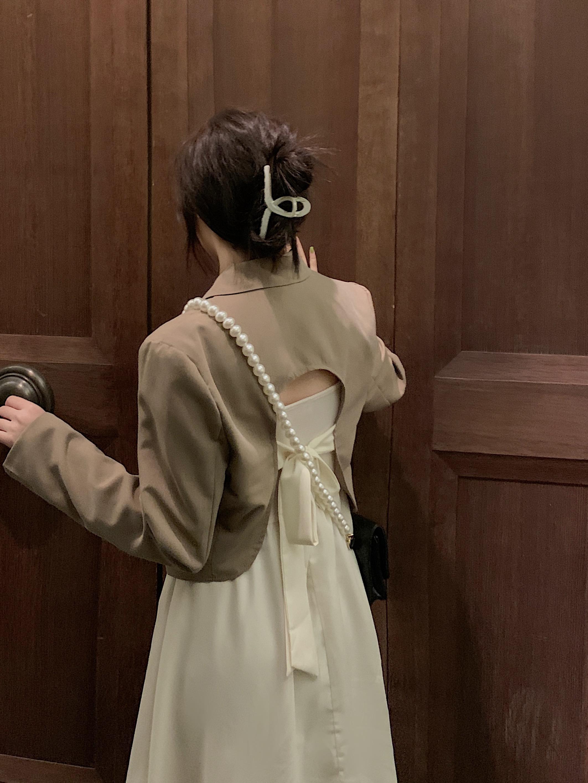 大码女装胖妹妹早秋温柔风蝴蝶结西装小外套+纯欲吊带裙长裙套装