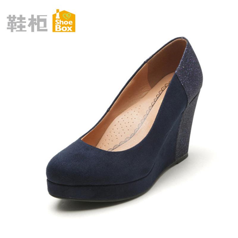 達芙妮旗下鞋櫃女鞋 秋反絨坡高跟女單鞋 防水台淺口尖頭鞋