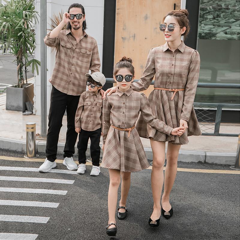 亲子装春秋装一家三口四口母子装洋气2020新款潮母女装连衣裙衬衫