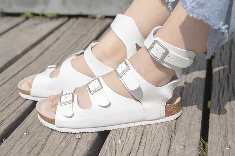 Cork couple sandals 2020 new cowhide insole trend EVA rubber wear resistant Korean comfortable flat bottom womens shoes
