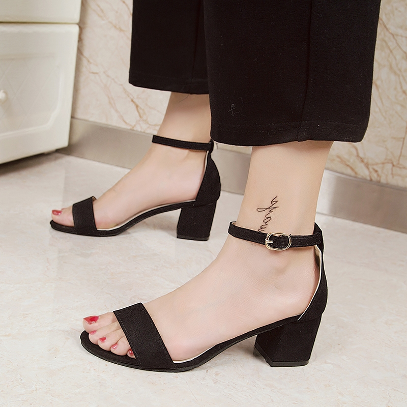 One line buckle soft sister sandals womens summer middle heel 2021 new versatile Korean high-heeled womens shoes Roman womens shoes
