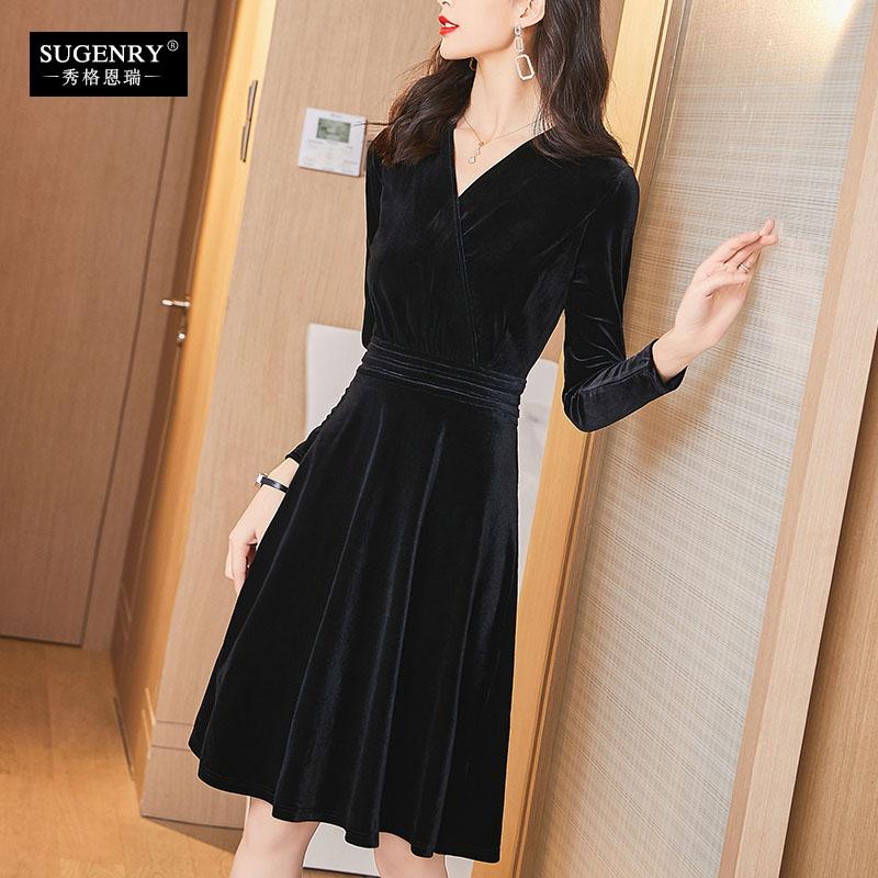 金丝绒连衣裙女秋冬2020新款修身显瘦气质黑色晚礼服洋气冬季裙子