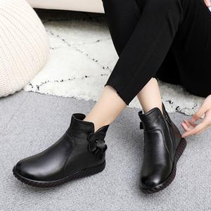 秋冬季女靴子平底真皮软底短靴大码女鞋中老年棉鞋妈妈鞋子41-43