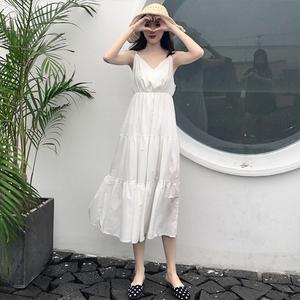 领0元券购买秋装2018新款 夏季大码女装高腰显瘦V领白色收腰吊带连衣裙子女