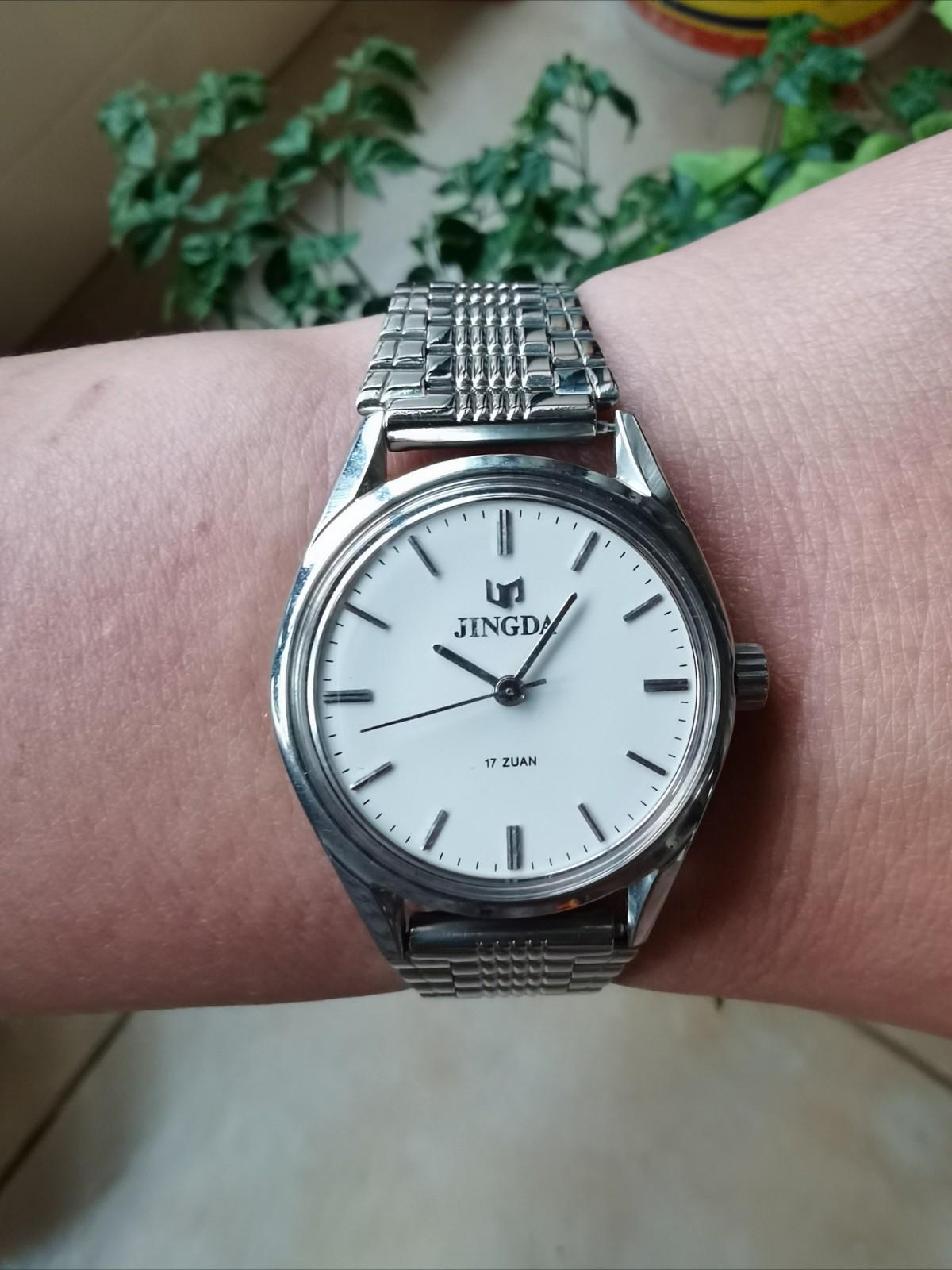 90年代の上海腕時計7工場で新品の在庫を生産しました。