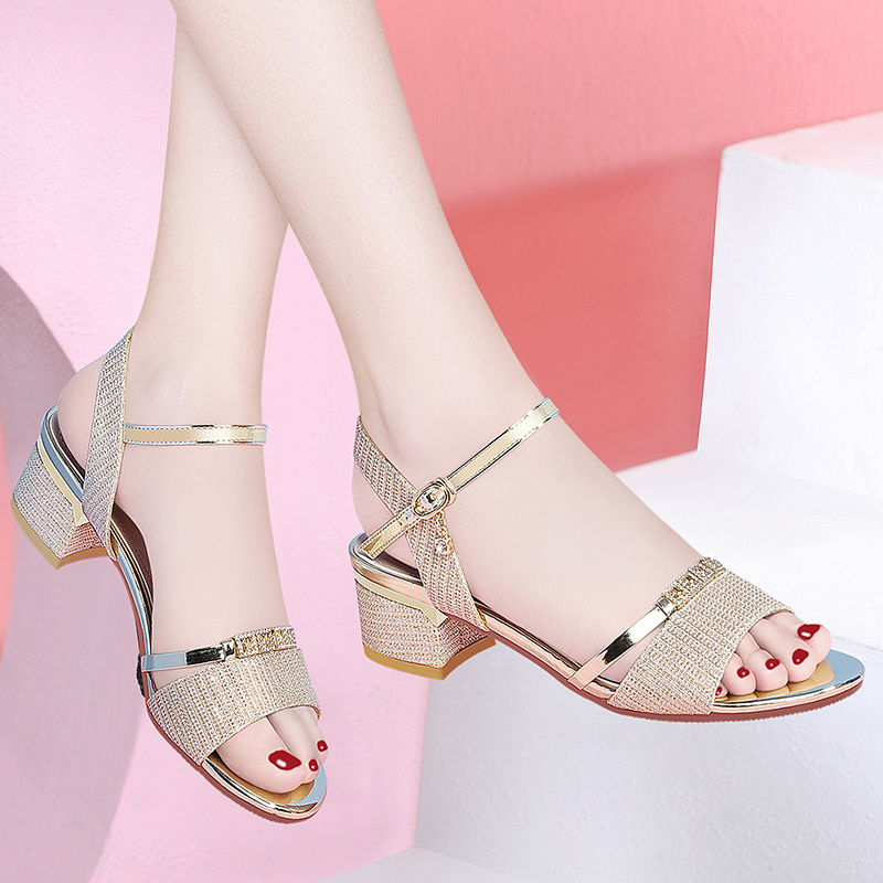 Sandals womens new summer fashion womens shoes in 2020