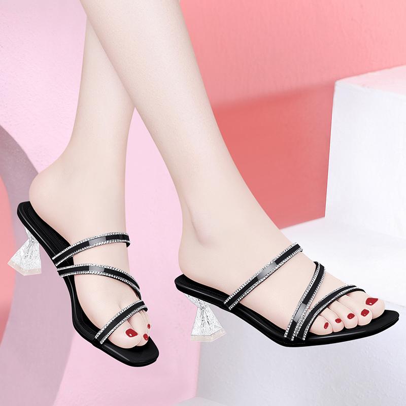 Slippers for women 2020 new summer versatile Crystal Square heel fashion Mid Heel diamond sandals