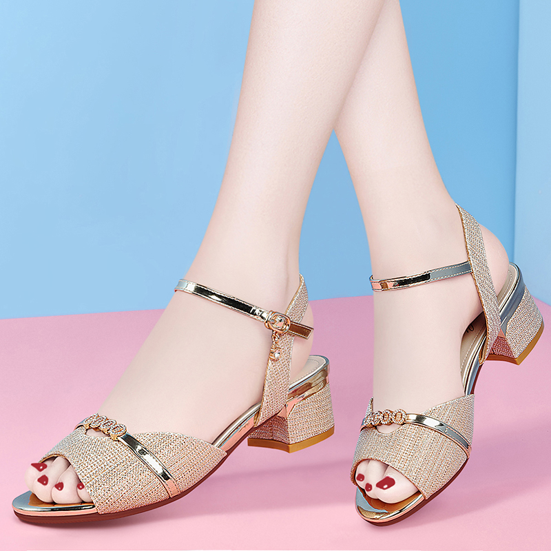 French stiletto new summer 2020 womens fashion sandals with diamond strap and skirt