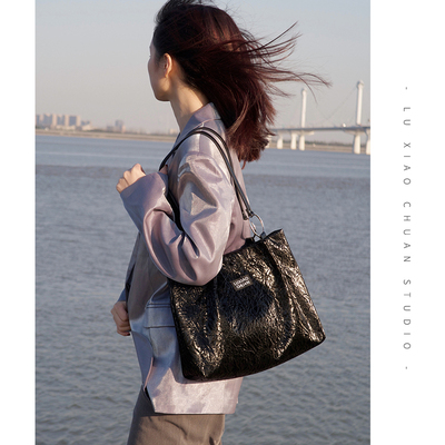 Road boat original design mercerized black ring big tote bag female 2021 new trendy commuter fashion large capacity