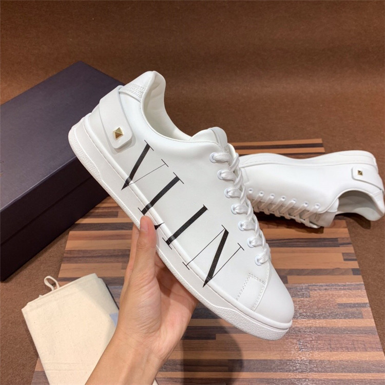 Couples low top lace up Italian leather printed casual sports shoes small white shoes mens and womens shoes non slip soles