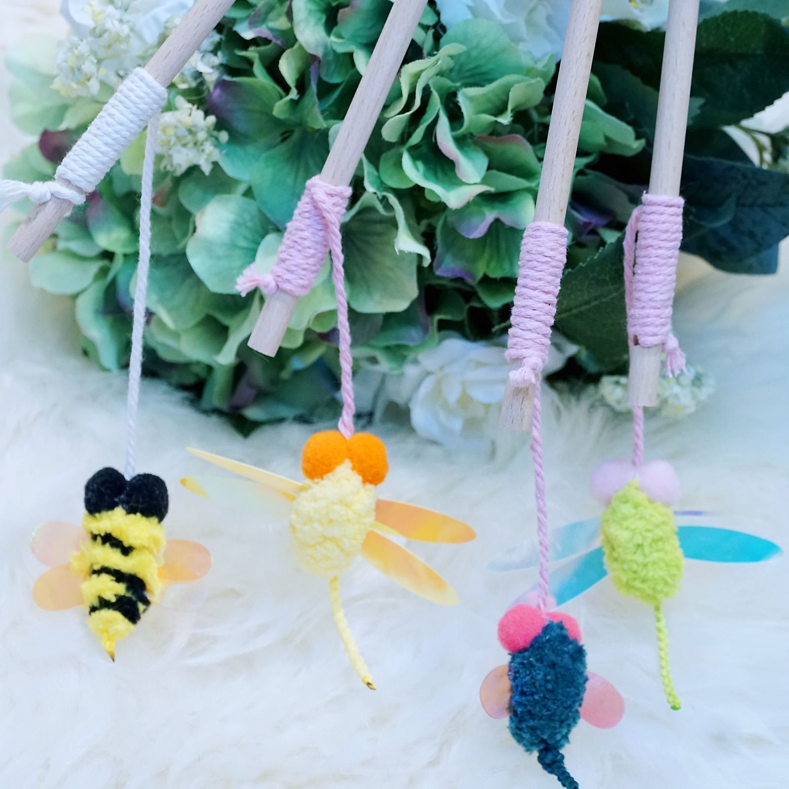 Meow baby cat Side shop insect series cat Teaser stick to stimulate cats hunting nature