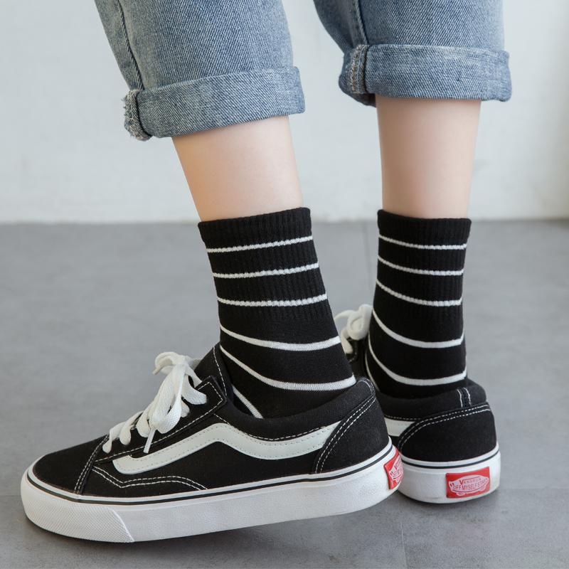黑白条纹袜子女中筒袜ins潮秋季韩版学院风学生街头ulzzang中长袜