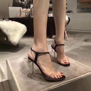 透明高跟一字带凉鞋女2021年新款夏百搭水晶粗跟时装凉鞋