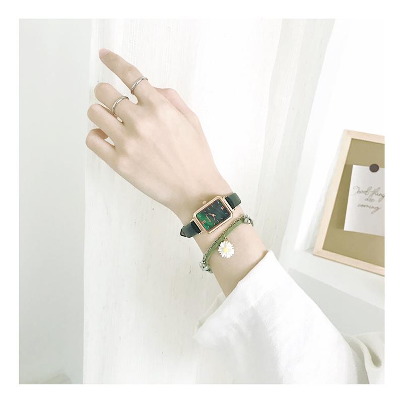 法国北欧小众品牌手表女ins风轻奢简约气质学生复古小方盘小绿表